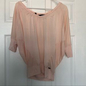 Guess 3/4 sleeve top in pink with key back hole